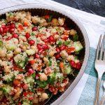 סלט קינואה עם ירקות ורימון